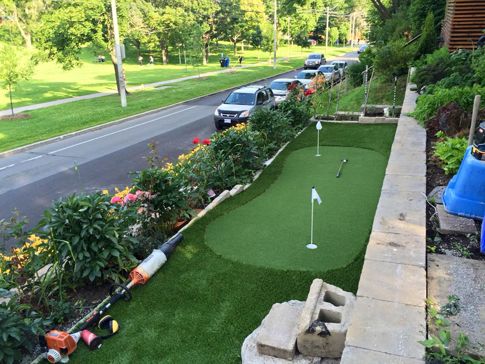 Small front yard putting green street side
