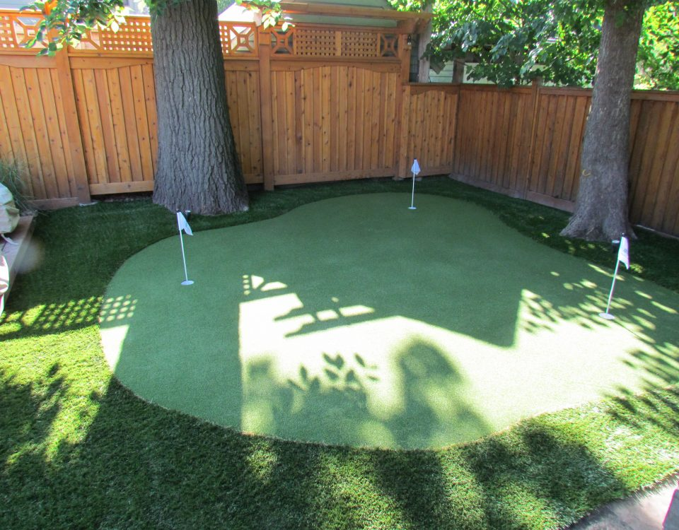 making golf greens fit in a Small yard