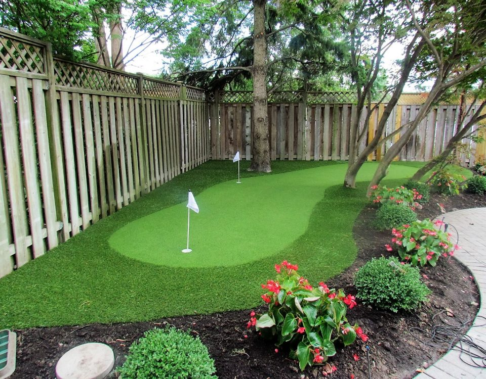 Wrapping golf green around landscape